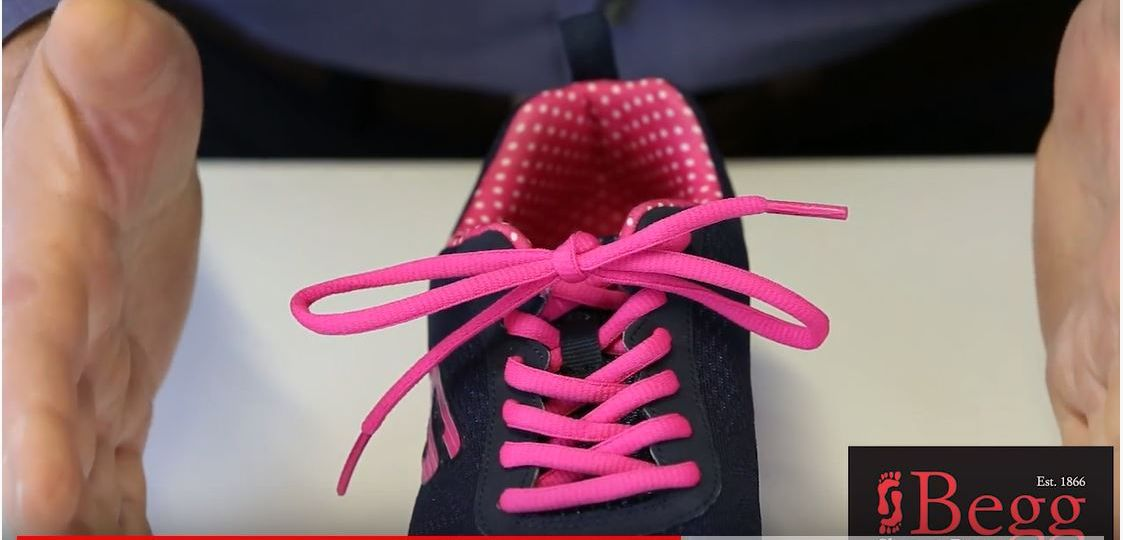 learn to tie laces