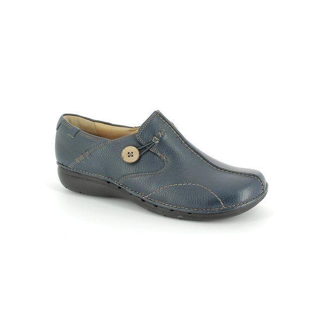 Clarks Un Loop D Fit Navy comfort shoes