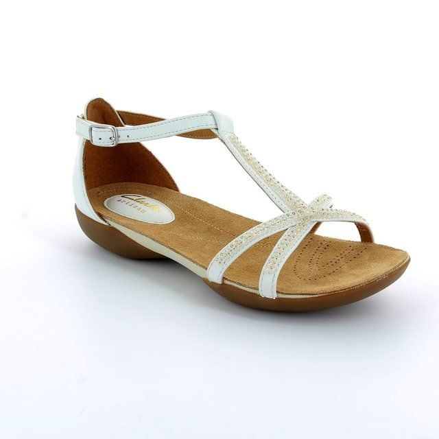 Clarks Raffi Star D Fit White sandals
