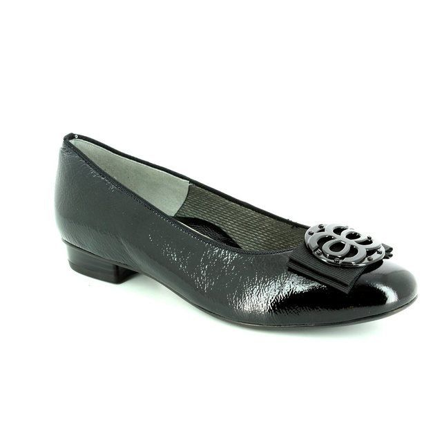 Ara Bari 1243770-10 Black patent pumps