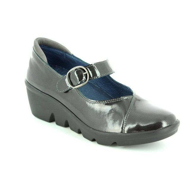 Walk in the City Everyday Shoes - Black patent - 1111/37270 YABA