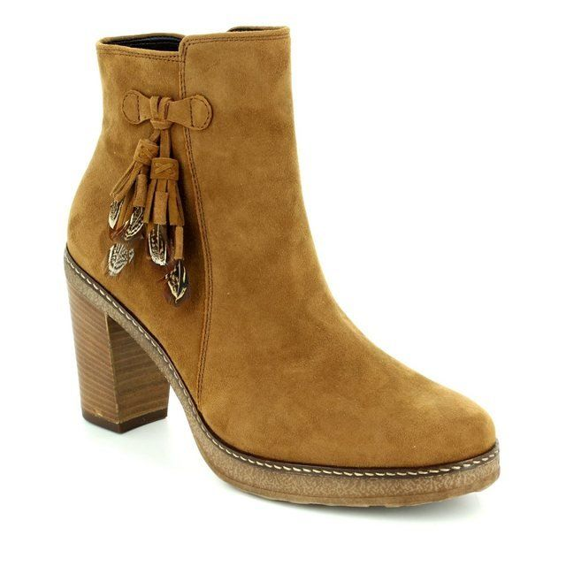 Gabor Femme 55.720.14 Tan suede ankle boots