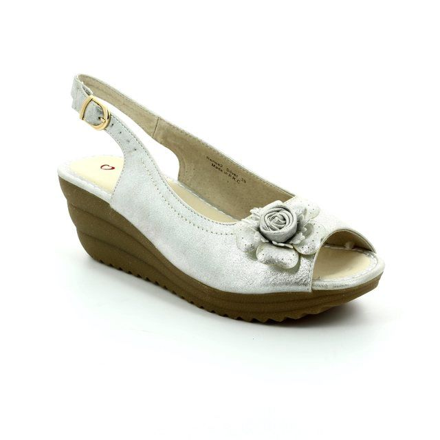 Heavenly Feet Renee 7009-60 Silver sandals