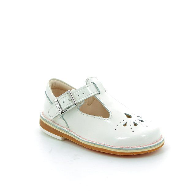 Clarks Yarn Weave Fst F Fit White patent first shoes