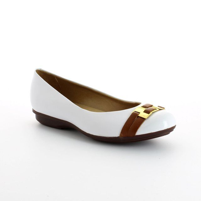 Ambition Paler 4409-46 White nubuck pumps