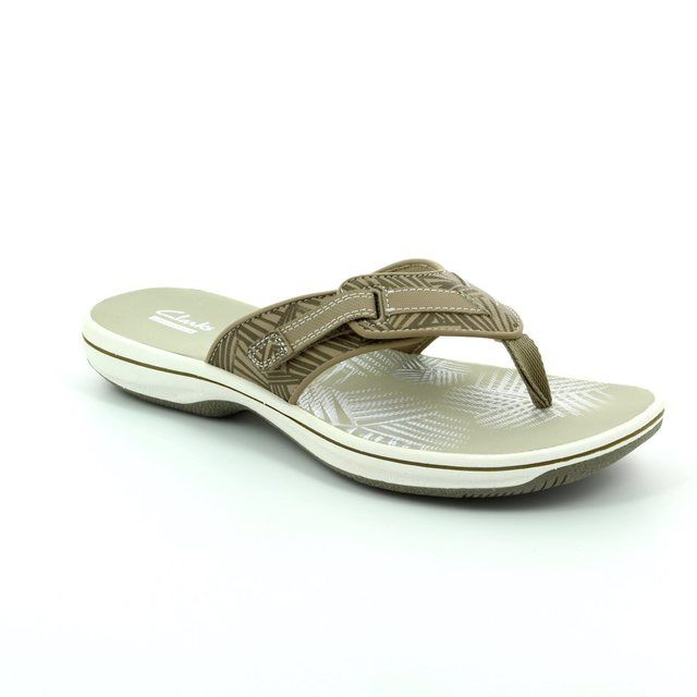 Clarks Brinkley Quade D Fit Beige sandals