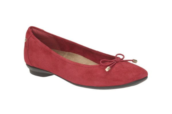 Clarks Candra Light D Fit Red suede pumps
