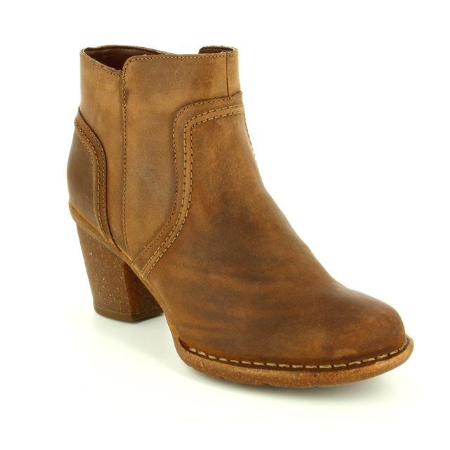 Clarks Carleta Paris D Fit Brown waxy ankle boots