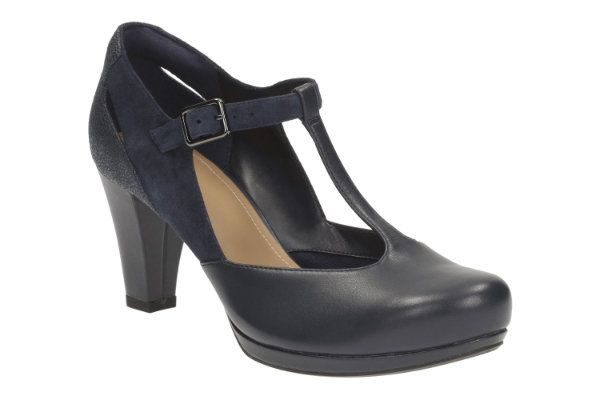 Clarks Chorus Gia D Fit Navy high-heeled shoes