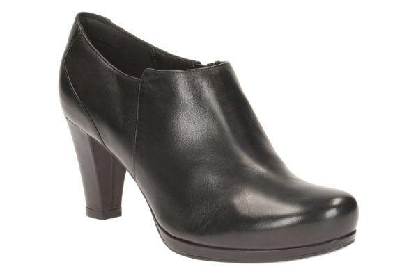 Clarks Chorus True D Fit Black shoe-boots