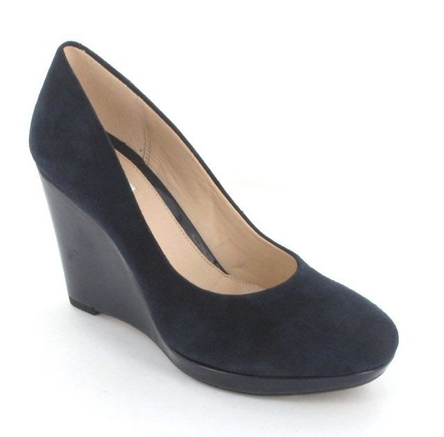 Clarks Comet Trail D Fit Navy suede high-heeled shoes