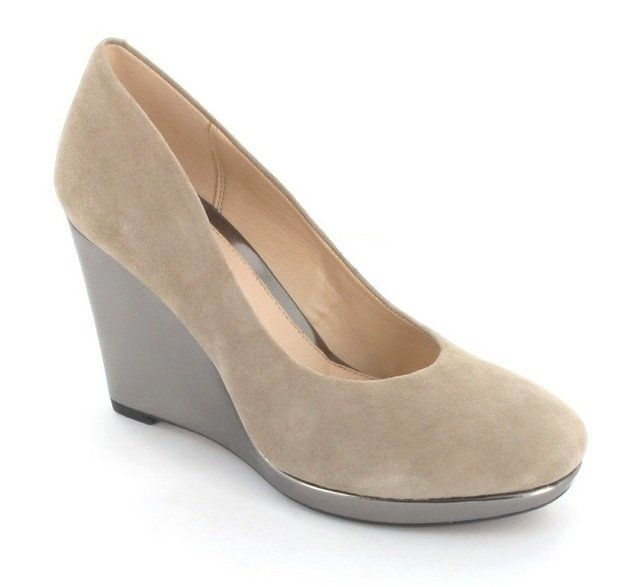 Clarks Comet Trail D Fit Taupe suede Wedge Shoes
