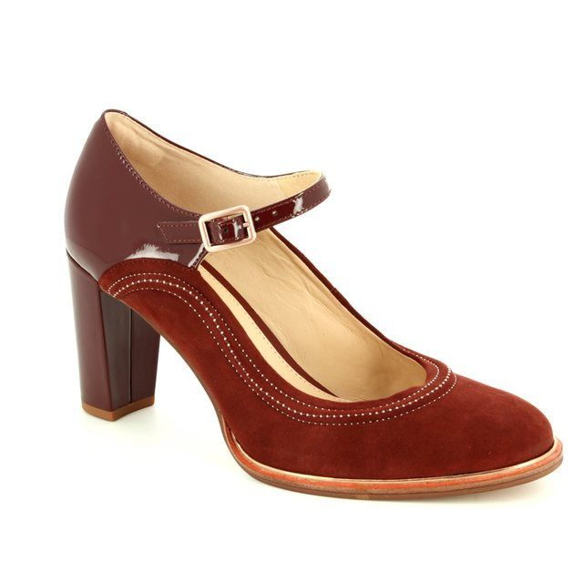 Clarks Ellis Mae D Fit Rust tan high-heeled shoes