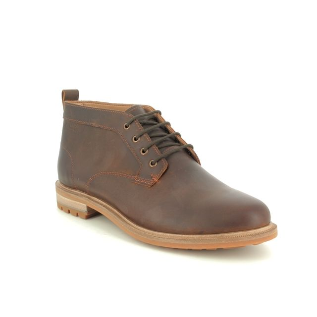 Clarks Chukka Boots - Brown waxy leather - 480087G FOXWELL MID