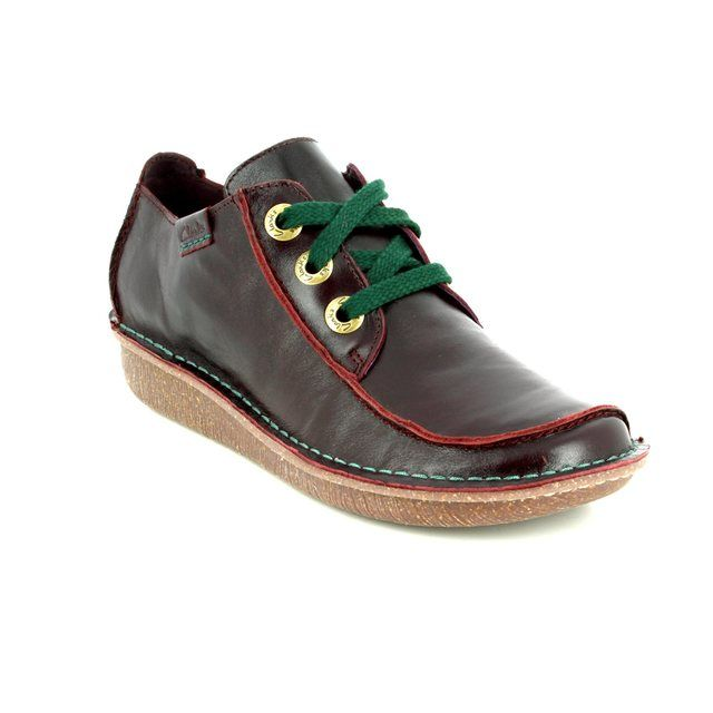 Clarks Funny Dream D Fit Aubergine lacing shoes