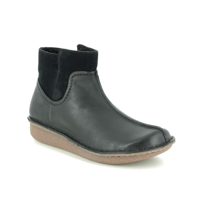Clarks Ankle Boots - Black leather - 443214D FUNNY MID
