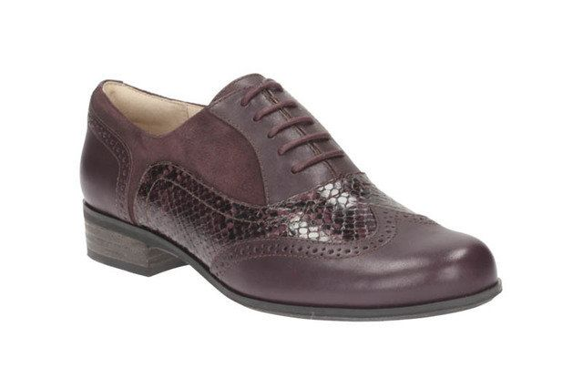 Clarks Hamble Oak D Fit Aubergine comfort shoes