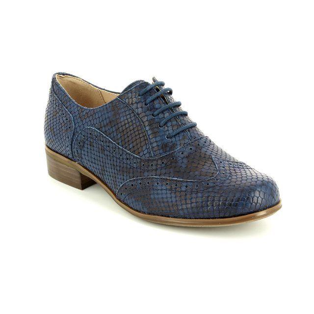 Clarks Hamble Oak D Fit Navy leather comfort shoes