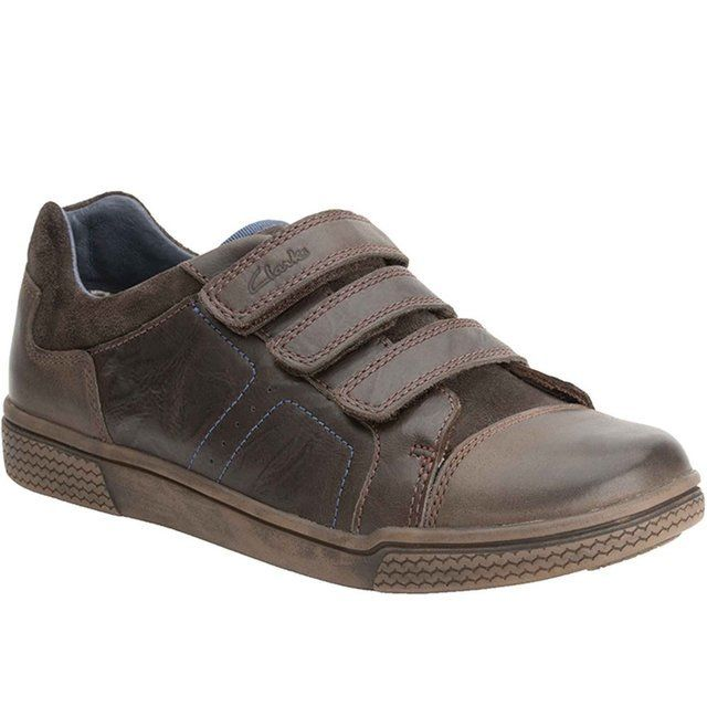 Clarks Harklin Lo F Fit Brown everyday shoes