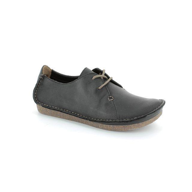 Clarks Janey Mae D Fit Black lacing shoes
