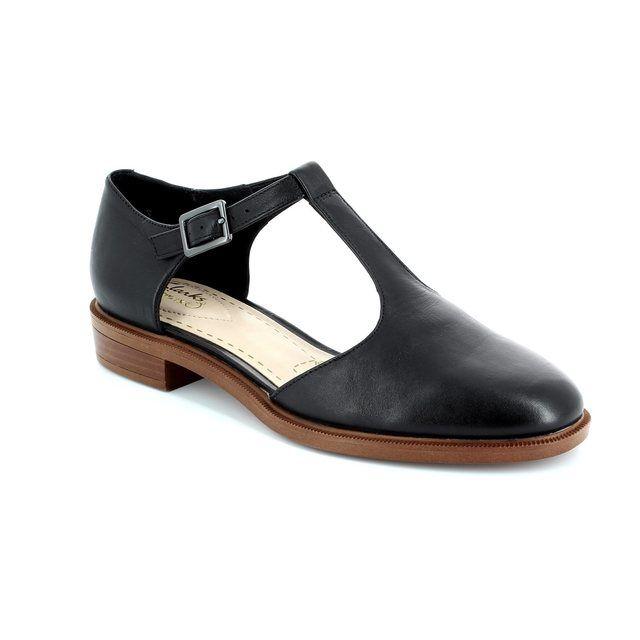 Clarks Taylor Palm D Fit Black comfort shoes