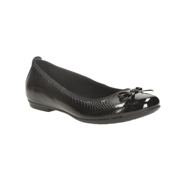 Clarks Tizz Hope Bl F Fit Black school shoes