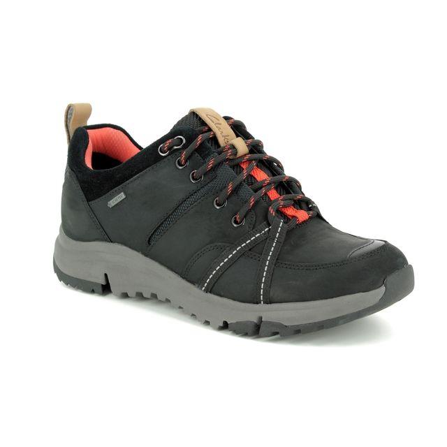 Clarks Tri Trek Gtx D Fit Black nubuck Walking Shoes
