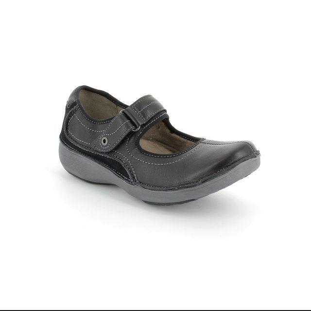 Clarks Wave Journey D Fit Black comfort shoes