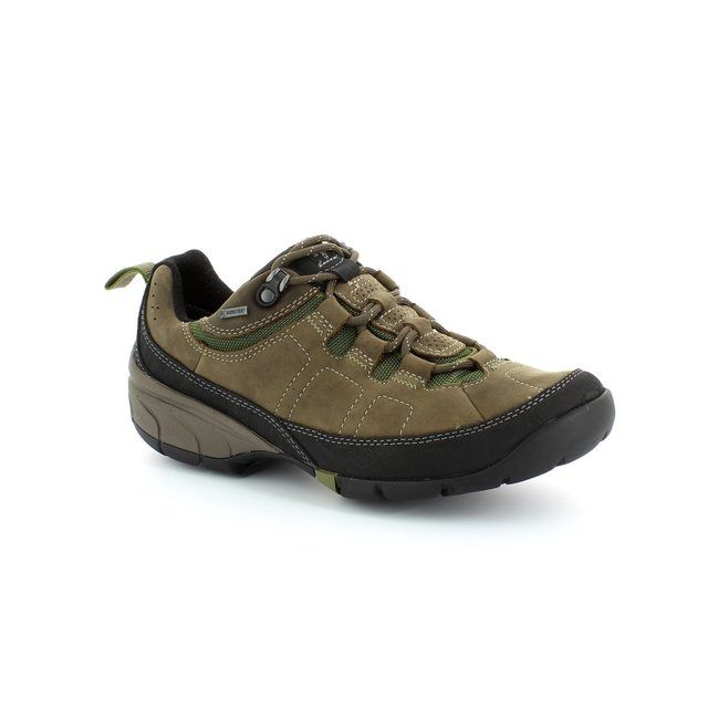 Clarks Wave Pass Gtx G Fit Brown casual shoes