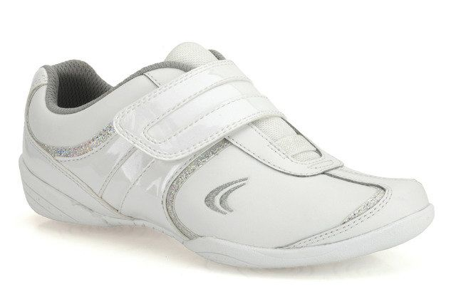 Clarks Yoga Fly Jnr F Fit White trainers