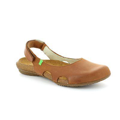 El Naturalista Wakataua N413 -20 Brown comfort shoes