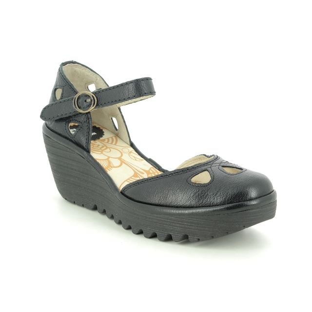 Fly London Wedge Shoes - Black leather - P500016 YUNA