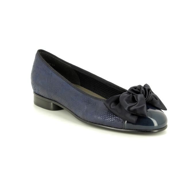 Gabor Pumps - Navy Patent-Suede - 25.106.66 AMY