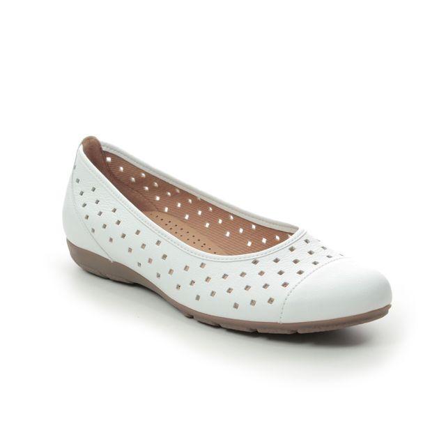 Gabor Pumps And Ballerinas - White - 44.169.21 RUFFLE