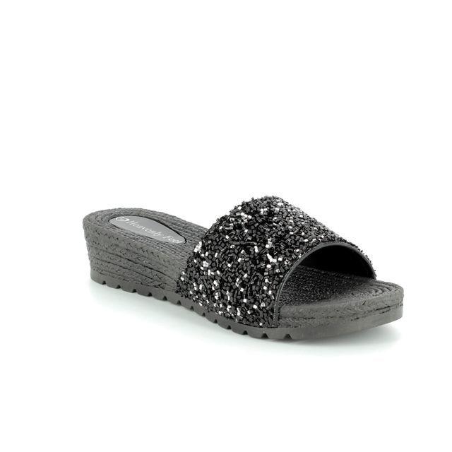 Heavenly Feet Wedge Sandals - Black - 8121/30 ZINNIA