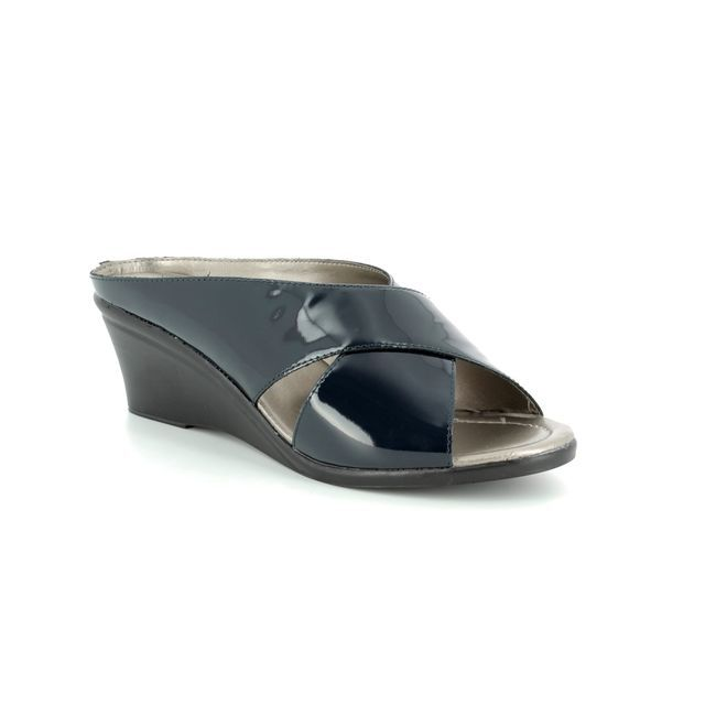 Lotus Wedge Sandals - Navy patent - 20059/70 TRINO