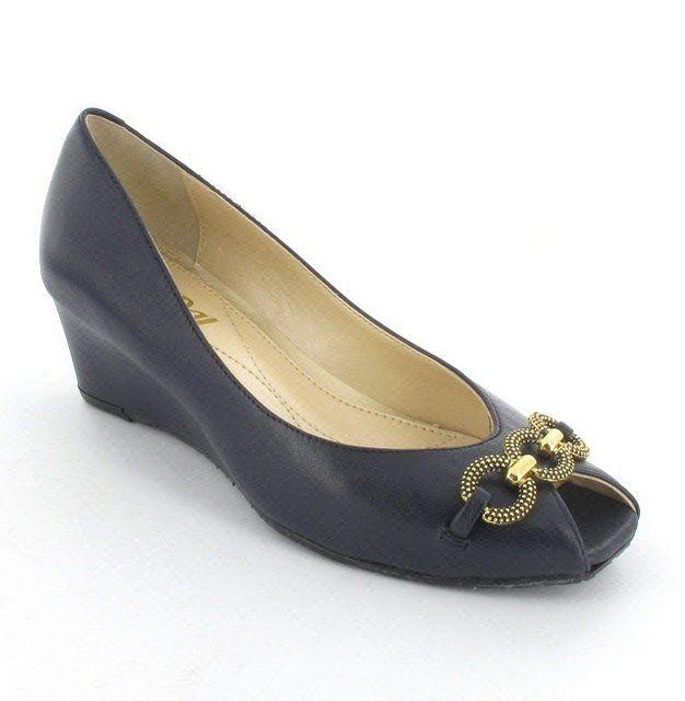 Van Dal Carmel 2077-420D D Fit Navy heeled shoes