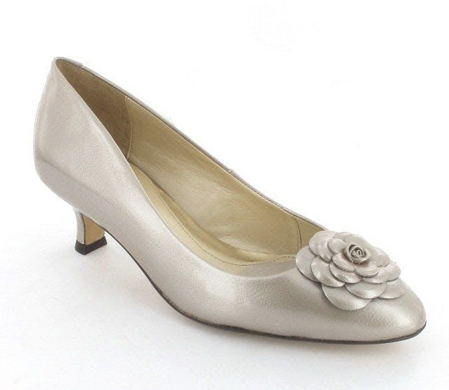 Van Dal Elveden 1949-860D D Fit Oyster Pearl Patent heeled shoes