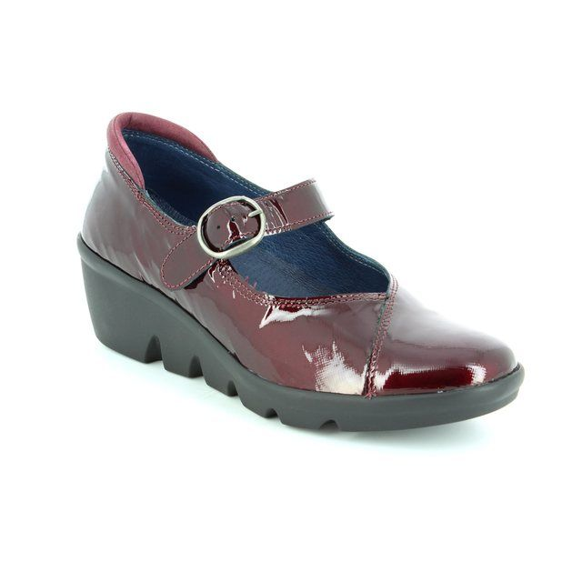 Walk in the City Yaba 1111-37270 Wine patent comfort shoes