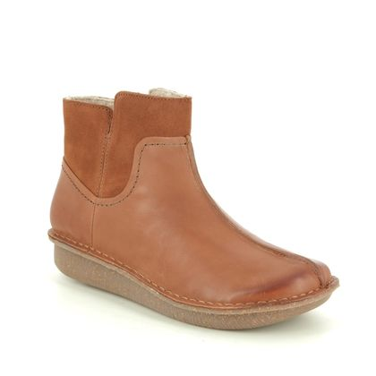 Clarks Ankle Boots - Tan Leather - 446684D FUNNY MID