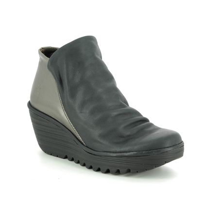 Fly London Wedge Boots - Black leather - P500505 YIP