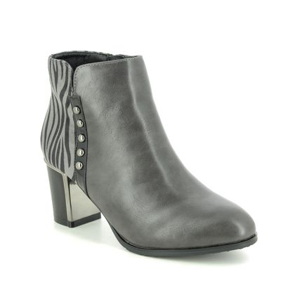 Lotus Heeled Boots - Grey - ULB151/00 REBEL