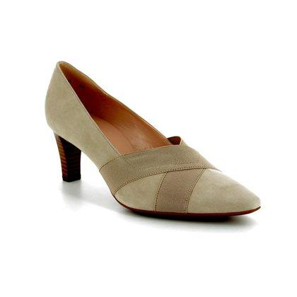 Peter Kaiser Court Shoes - Beige - 68129/125 MALANA