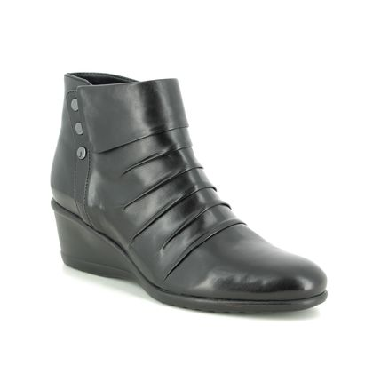 Regarde le Ciel Wedge Boots - Black leather - 9003/34 DAISY  08
