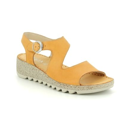 Walk in the City Comfortable Sandals - Yellow - 9371/36170 TRAMBA WIDE FIT