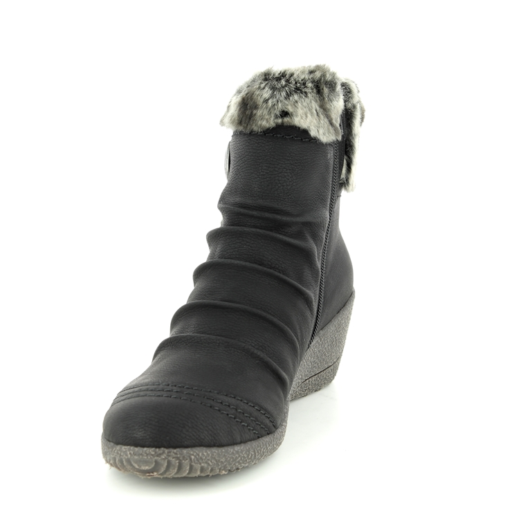 Rieker Y0363-01 Black ankle boots