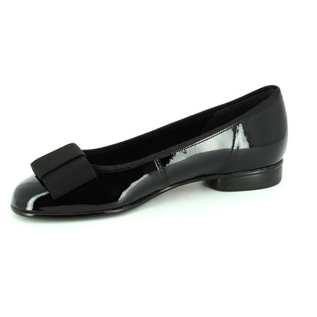 Gabor Assist 05.100.97 Black patent heeled shoes