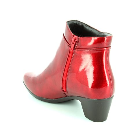 Heavenly Feet Drape 6002-80 Red patent ankle boots