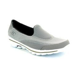 Skechers Trainers & Canvas - Grey - 13590/00 GO WALK 2