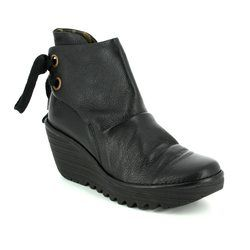 Fly London Boots - Short - Black - P500326 YAMA